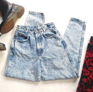 Vintage Chic • acid wash faded blue mom jeans